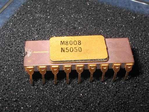 Intel M8008 with Traces (Date code 7502) 8-bit, military microprocessor