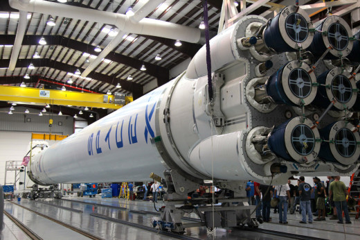 spacex-falcon-9-rocket-large