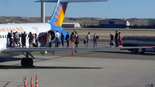 Allegiant Air Boise_Wing_Passengers